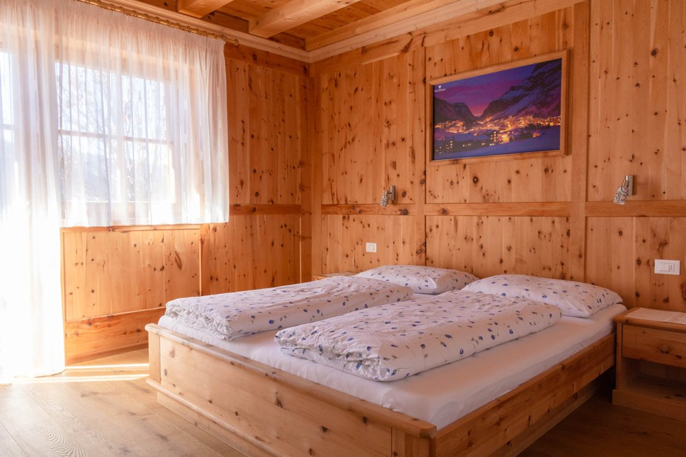 Ciasa Brüscia bed and breakfast double room bed